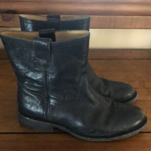Frye Black Worn In Black Boots size 7.5